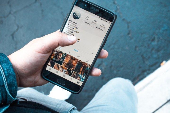 Mental Health Awareness Month | Can Social Media Impact MentalHealth?
